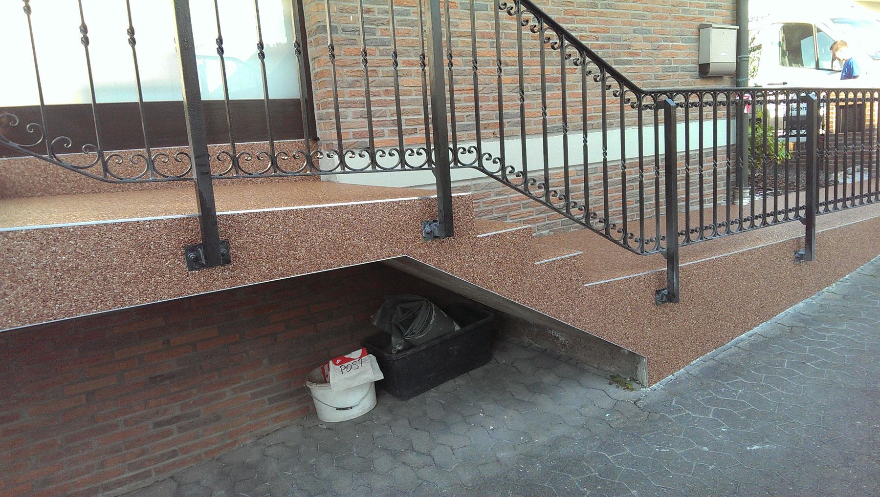 treppe fliesen kante treppen treppe fliesen berlin. Black Bedroom Furniture Sets. Home Design Ideas